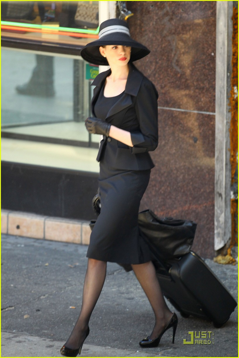 anne hathaway new face tods 12