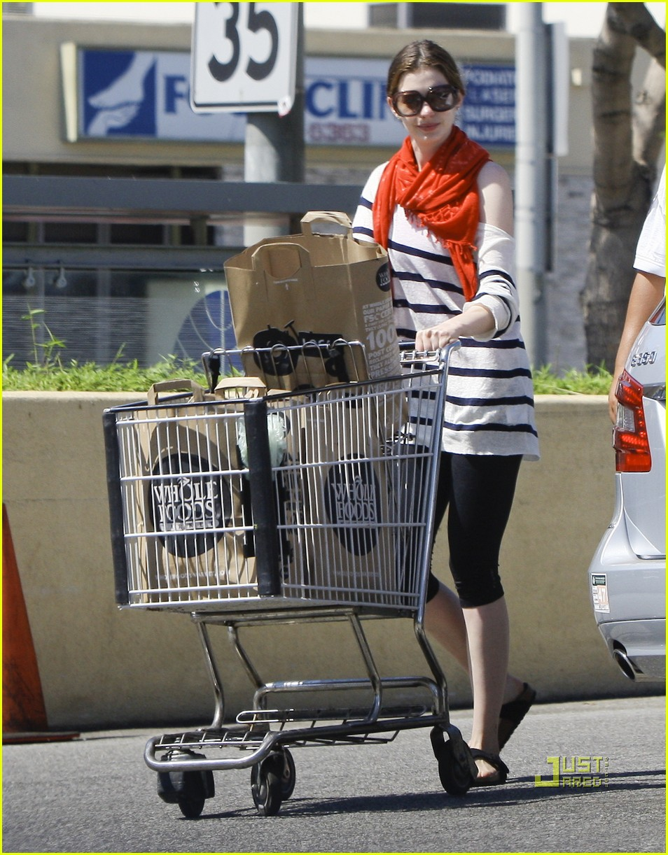 anne hathaway whole foods 10