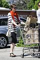 anne hathaway whole foods 02