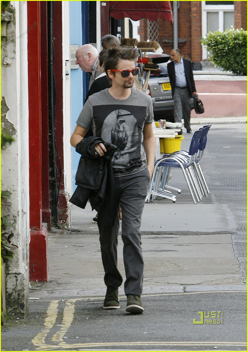 kate hudson matt bellamy breakfast london 03