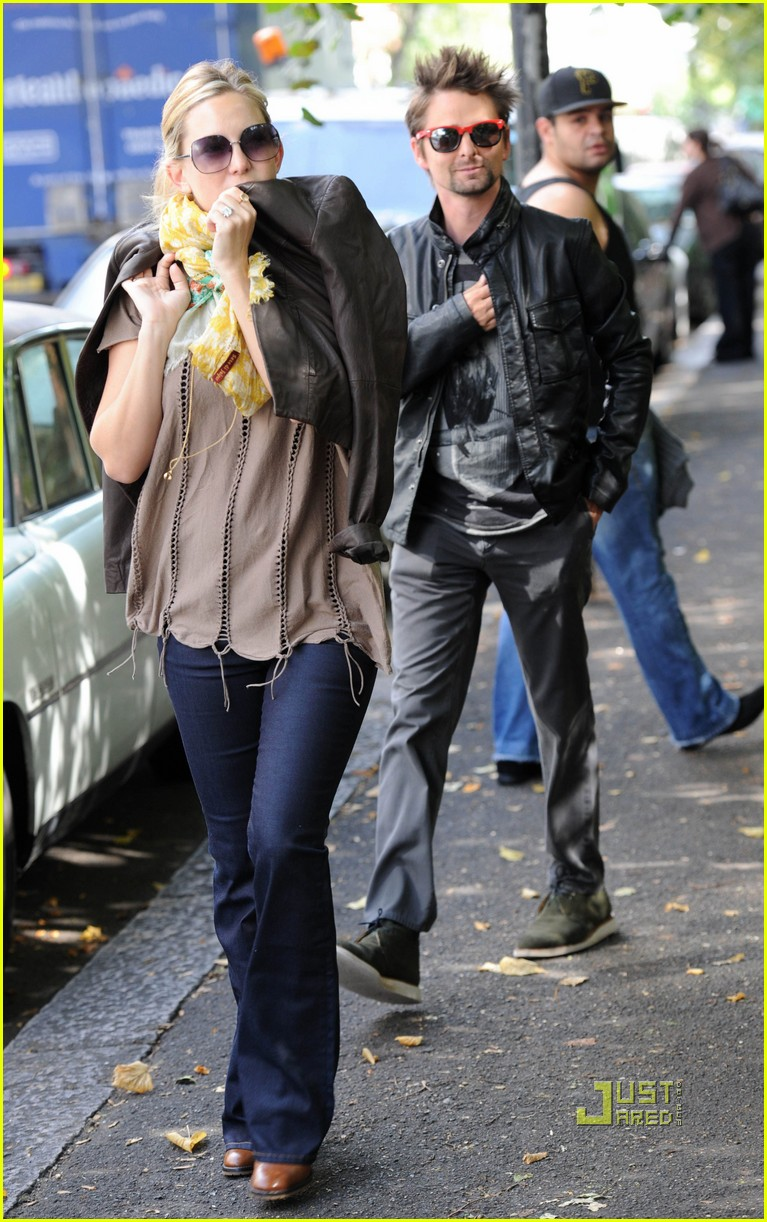 kate hudson matt bellamy breakfast london 08
