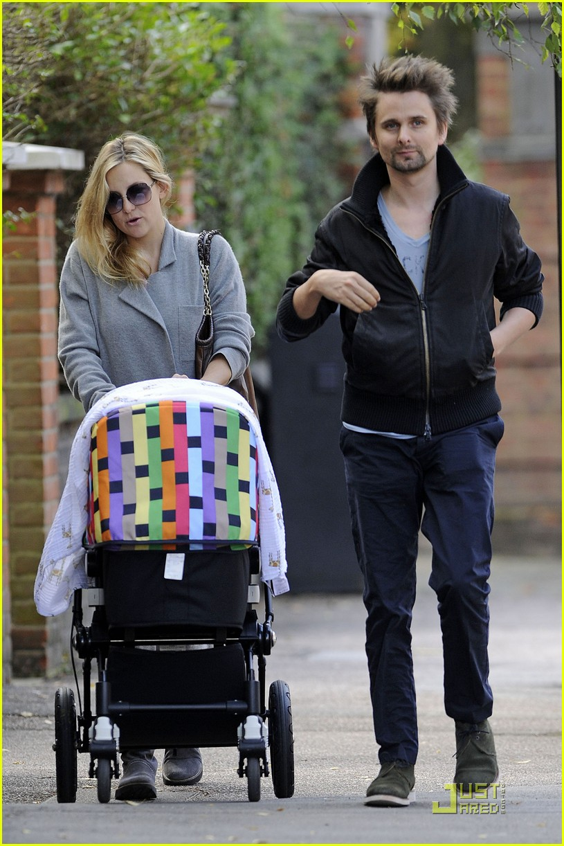 kate hudson matthew bellamy out 03