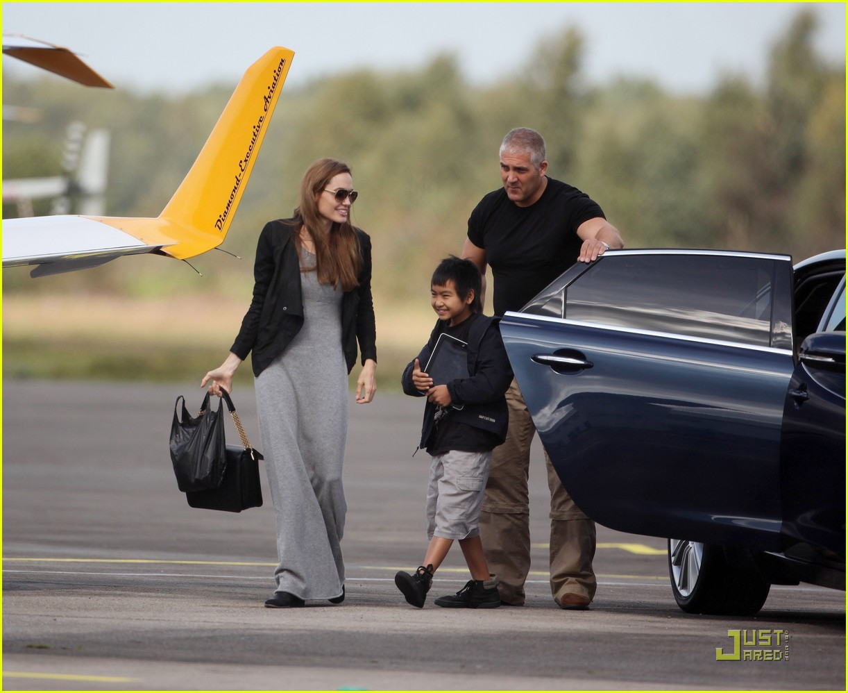 angelina jolie flying lessons maddox 022583075