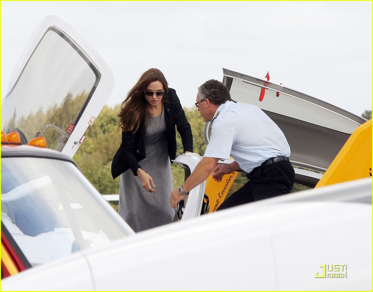 angelina jolie flying lessons maddox 042583077