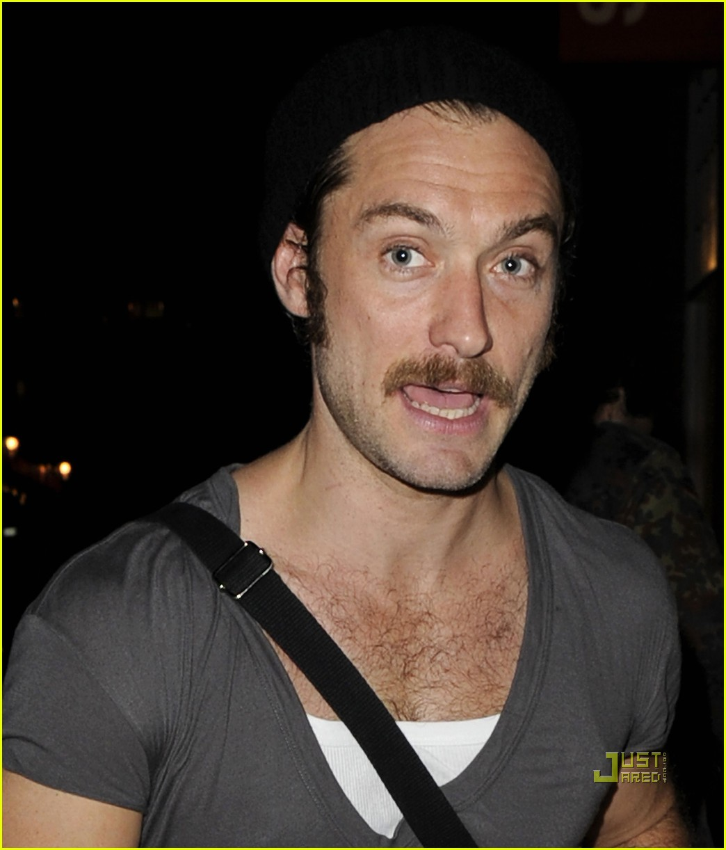jude law mustache donmar warehouse anna christie 012580084