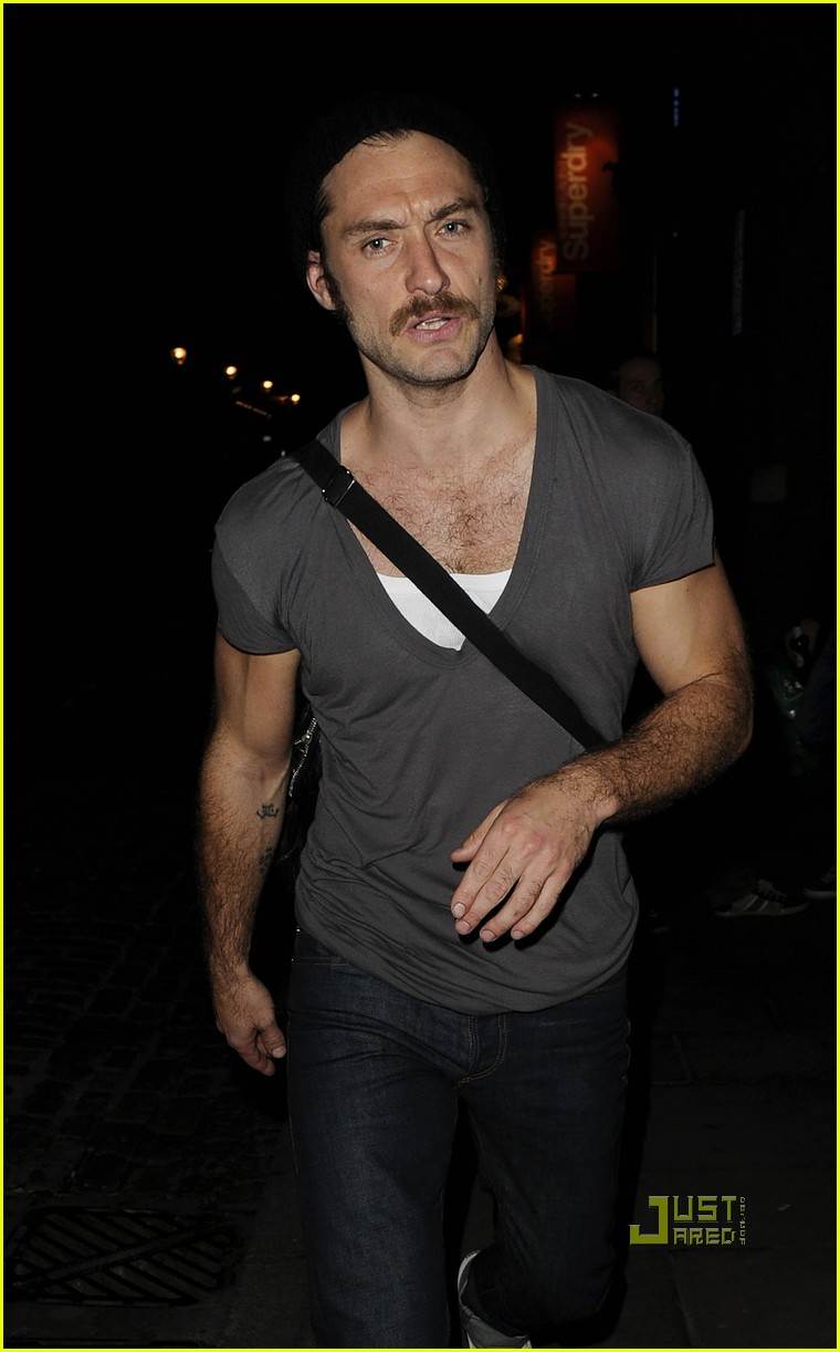 jude law mustache donmar warehouse anna christie 03