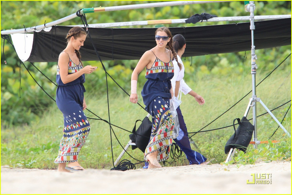 minka kelly complicated relationship with mom 072580445
