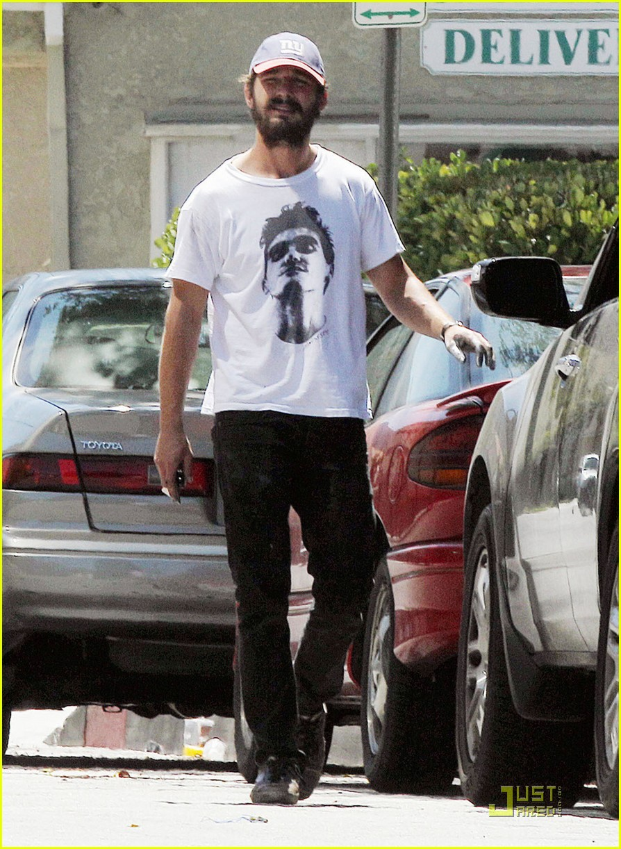 shia labeouf karolyn pho graffiti 032576704