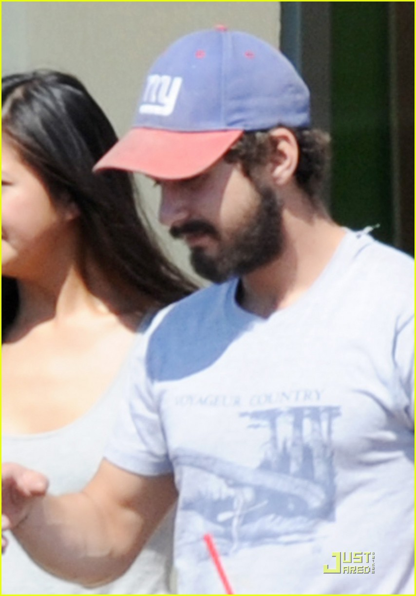 shia labeouf karolyn pho pda pair 01