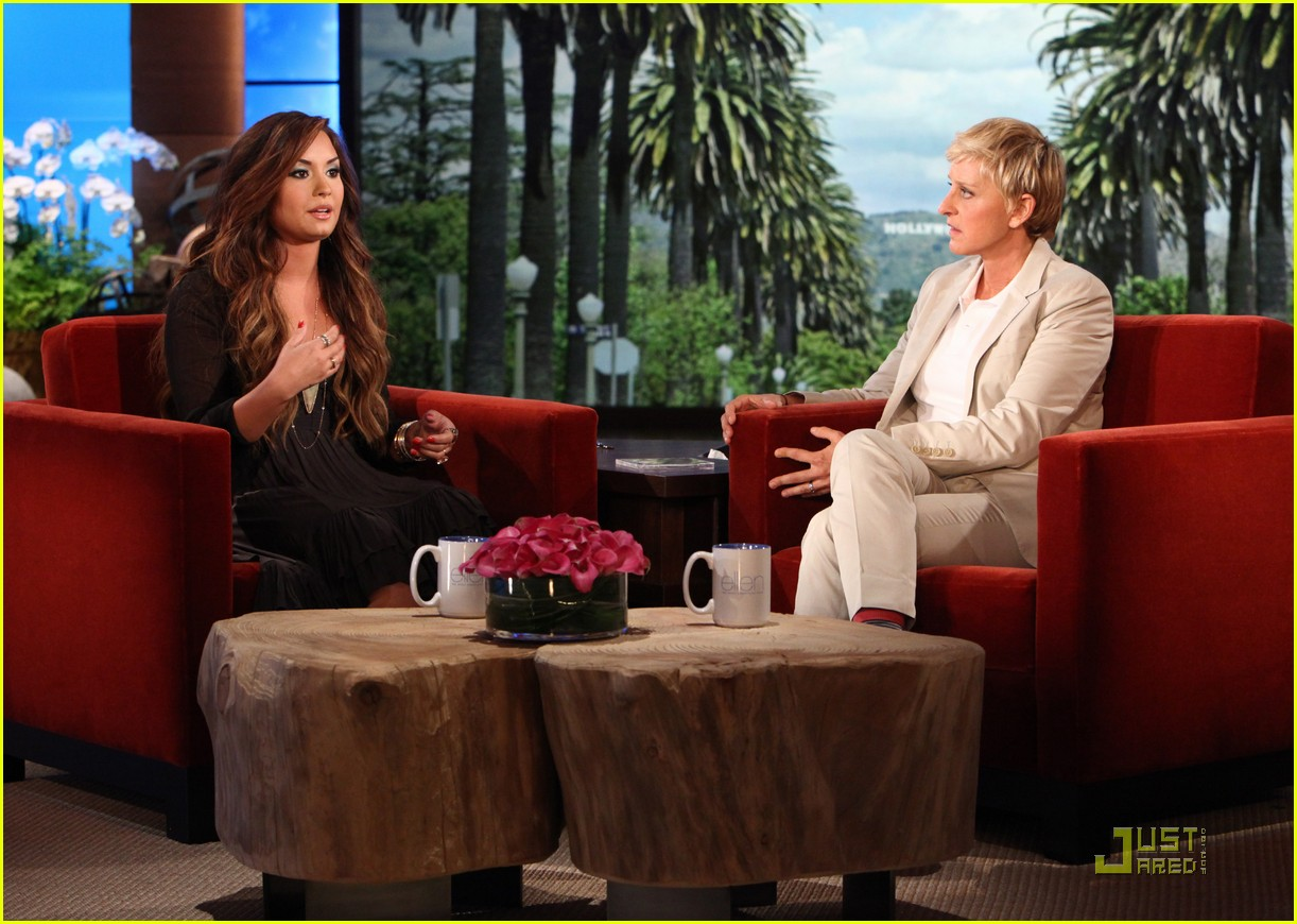 Demi lovato opens up about her meltdown on 39 ellen 39 photo 2580961 demi lovato ellen degeneres - Ellen show videos ...