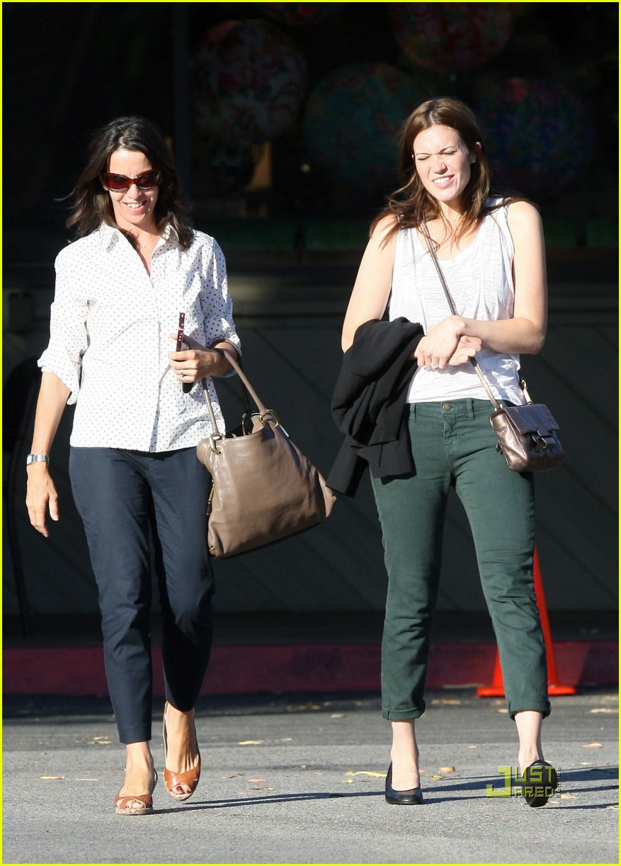 mandy moore out friend 13