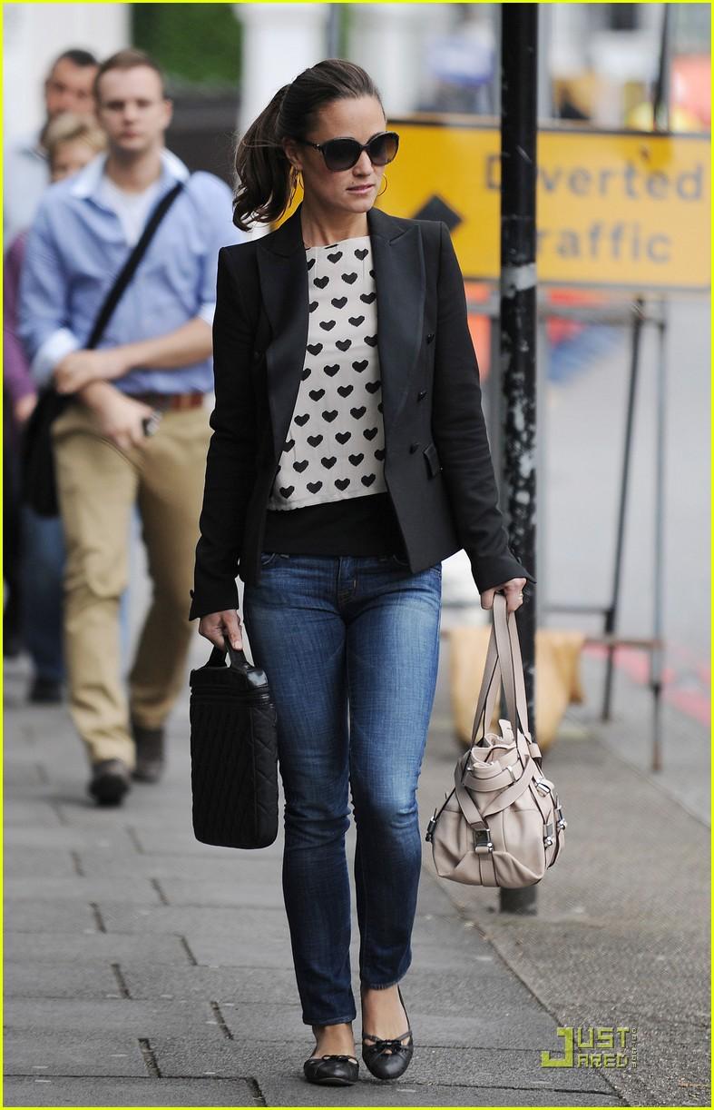 pippa middleton temperley london fashion show 062582007