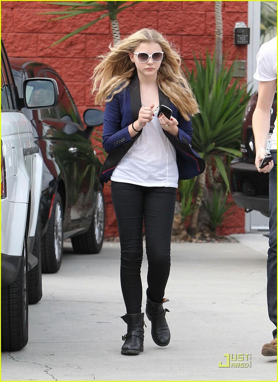 chloe moretz white sunglasses 04