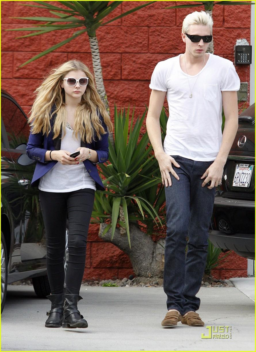 chloe moretz white sunglasses 09
