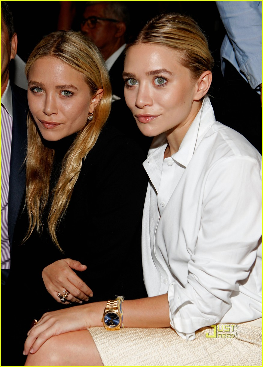 mary kate ashley olsen j mendel fashion week 01