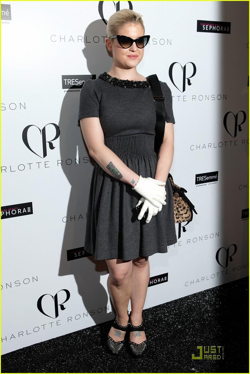 Black dress gloves - Kelly Osbourne Wears White Gloves To Fashion Week Photo 2578826 Charlotte Ronson Joy Bryant Kelly Osbourne Pictures Just Jared