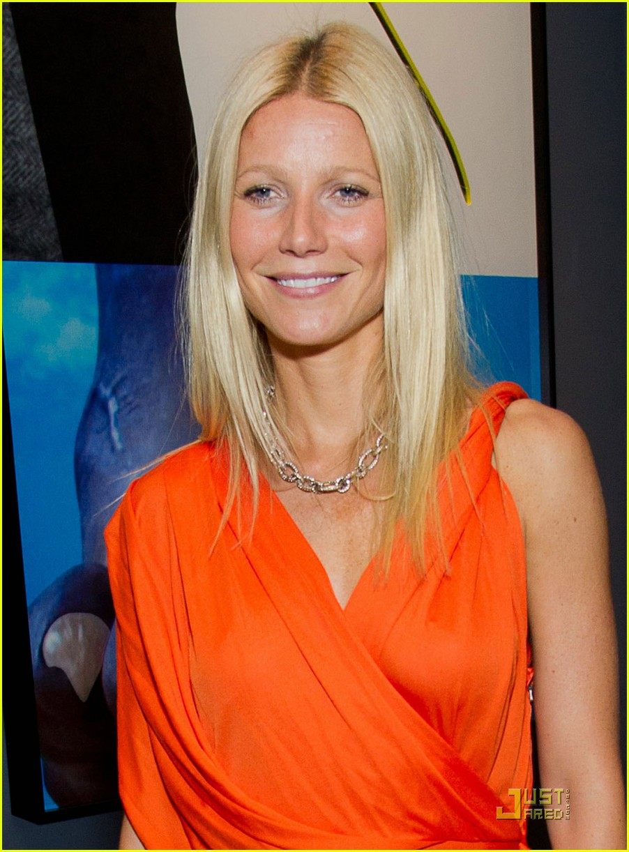 gwyneth paltrow coach dinner thandie newton 022577510
