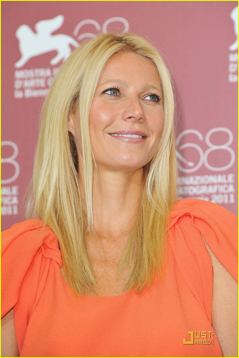 gwyneth paltrow contagion photo call venice 05