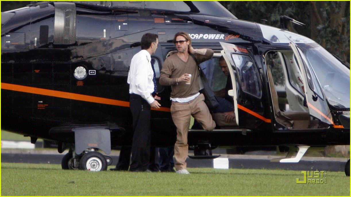brad pitt helicopter ride 01