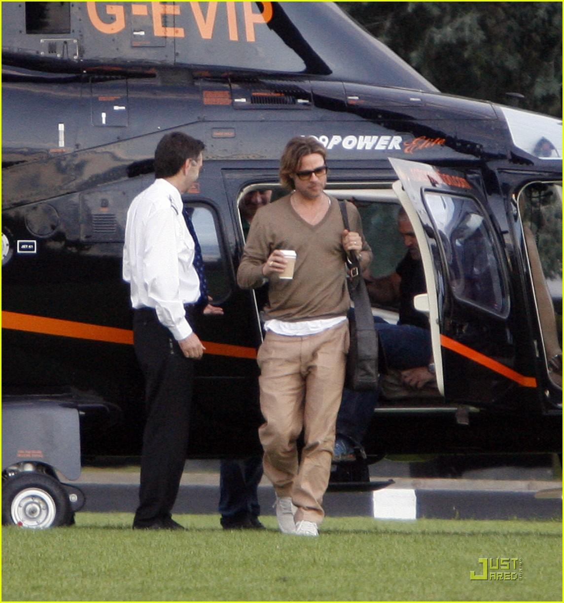 brad pitt helicopter ride 022576394