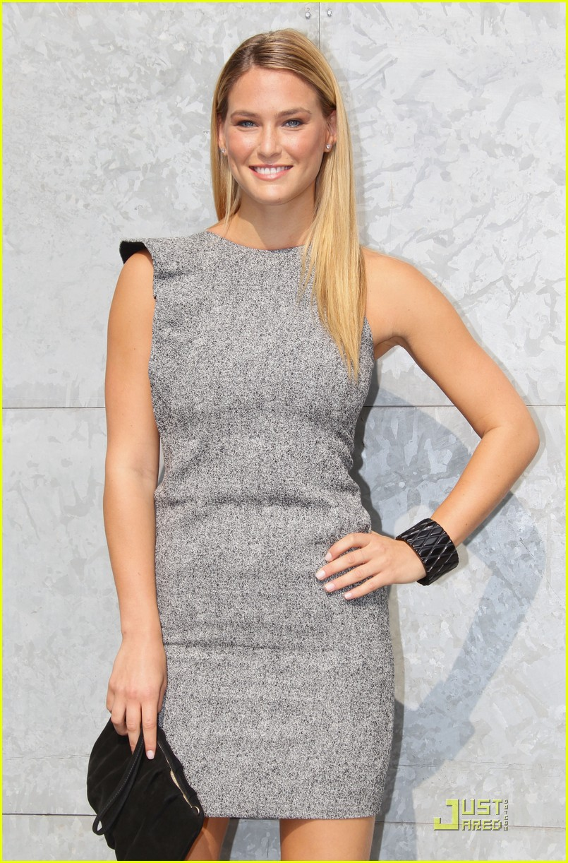 bar refaeli emporio armani fashion show 092583528