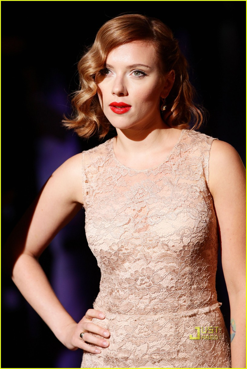 scarlett johansson dolce and gabbana milan fashion week 012583865