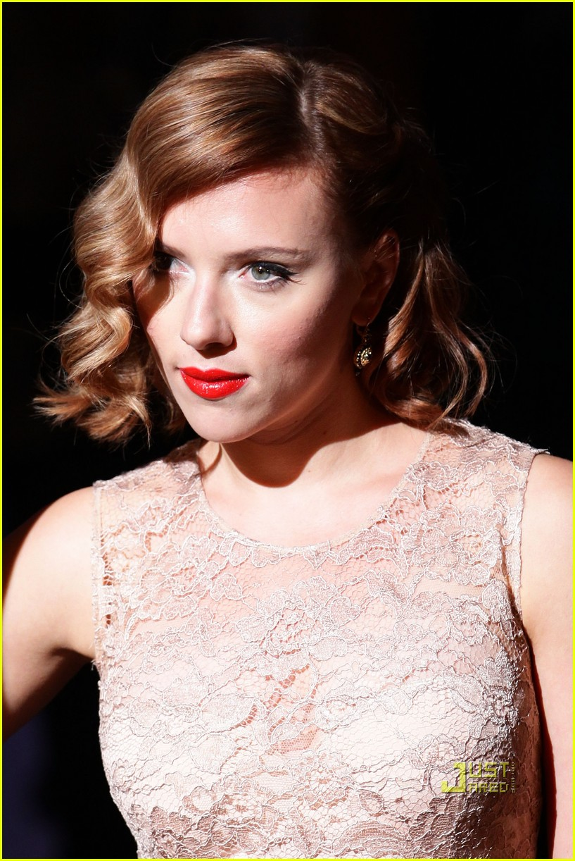 scarlett johansson dolce and gabbana milan fashion week 052583869