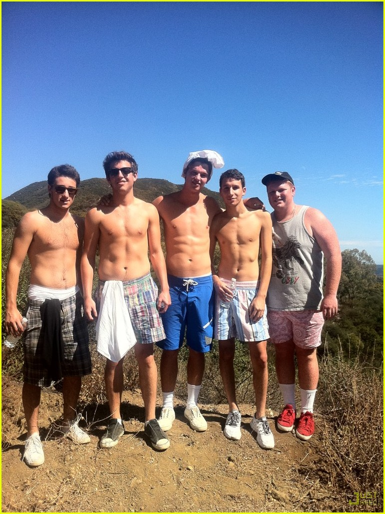 patrick schwarzenegger shirtless friends 01
