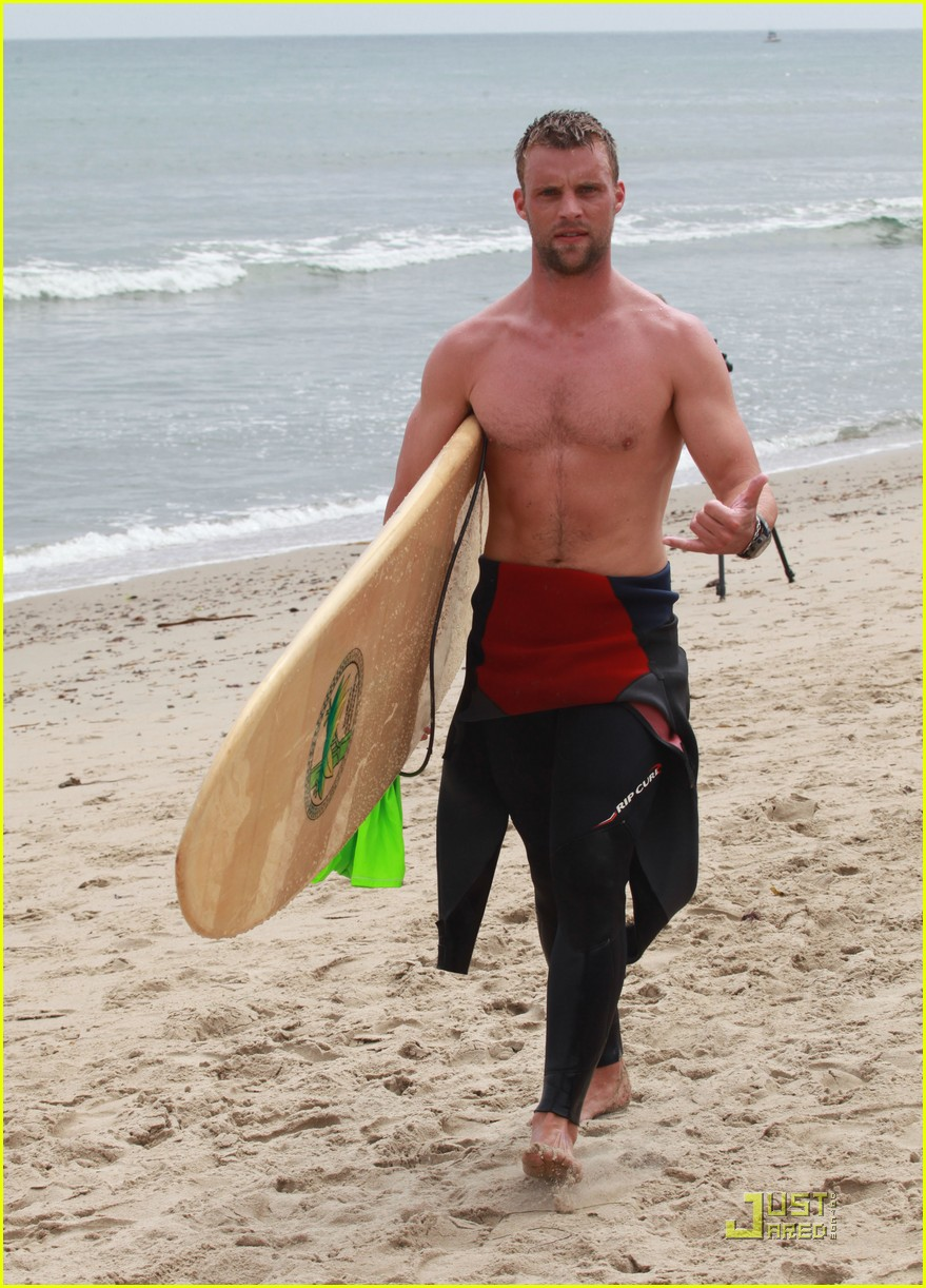 jesse spencer shirtless surfer 01