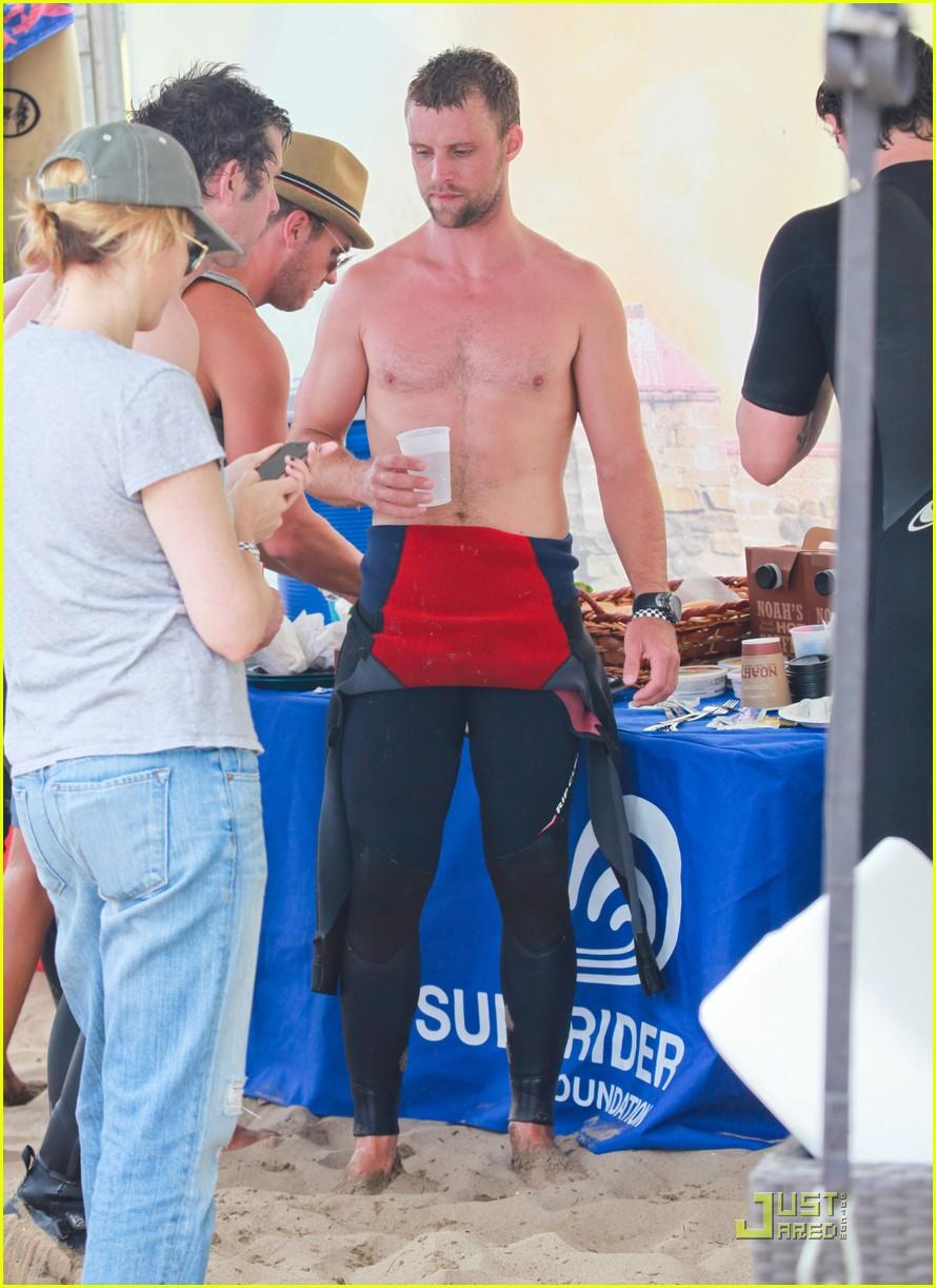 jesse spencer shirtless surfer 032579606