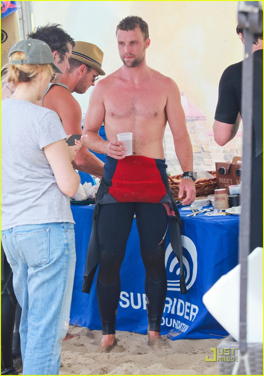 jesse spencer shirtless surfer 072579610