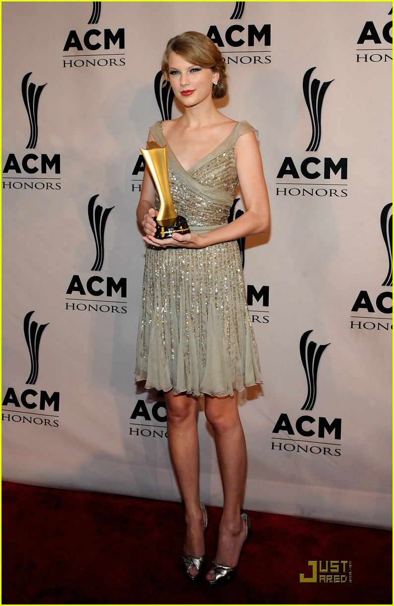 taylor swift acm honors 12