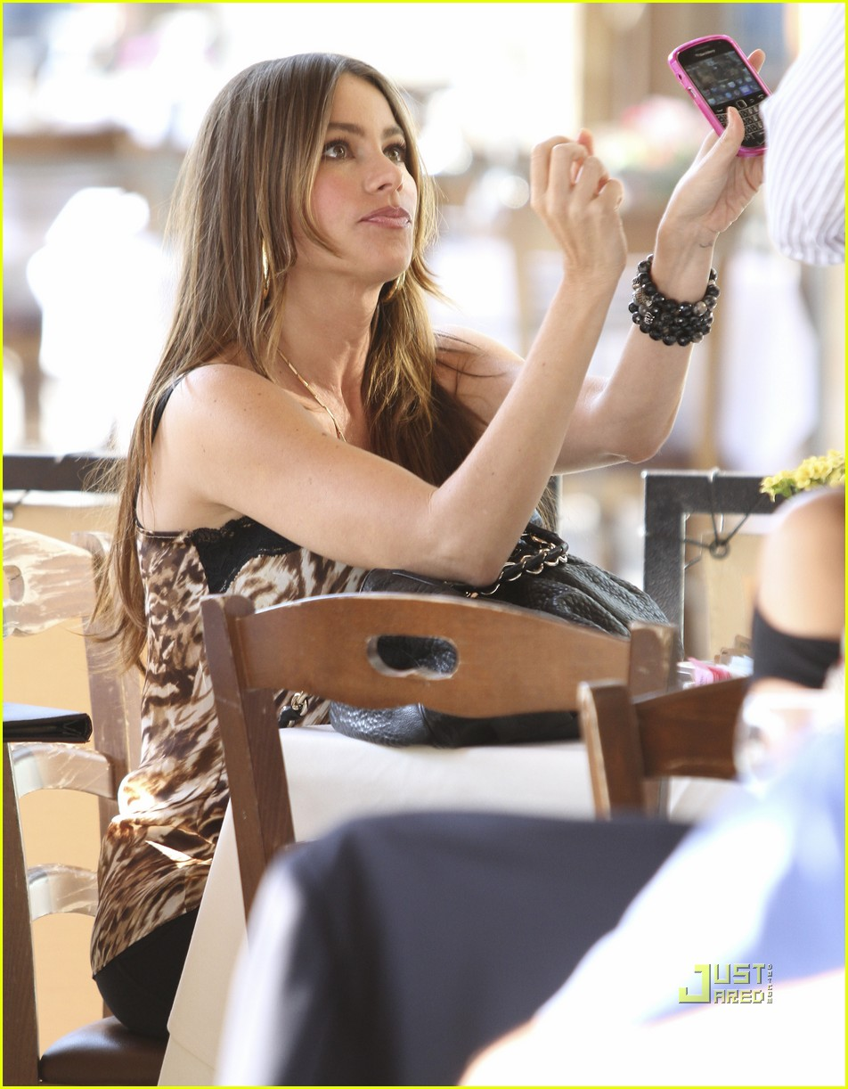 sofia vergara out to lunch 012580647