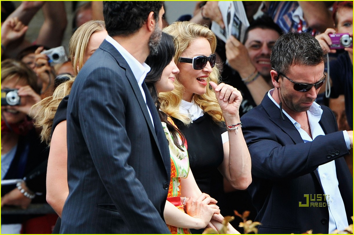 madonna we photo call venice film festival 03