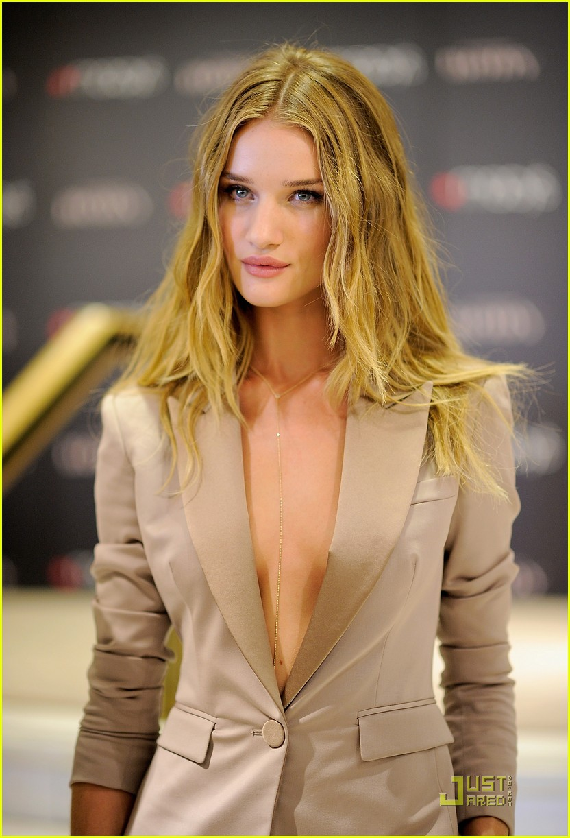 rosie huntington whiteley macys 12