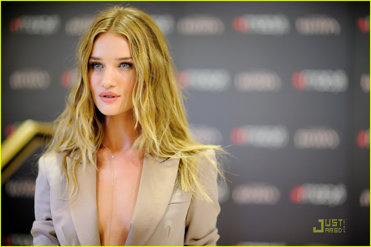 rosie huntington whiteley macys 13