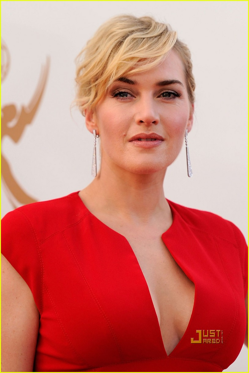 kate winslet 2011 emmy awards red carpet 01