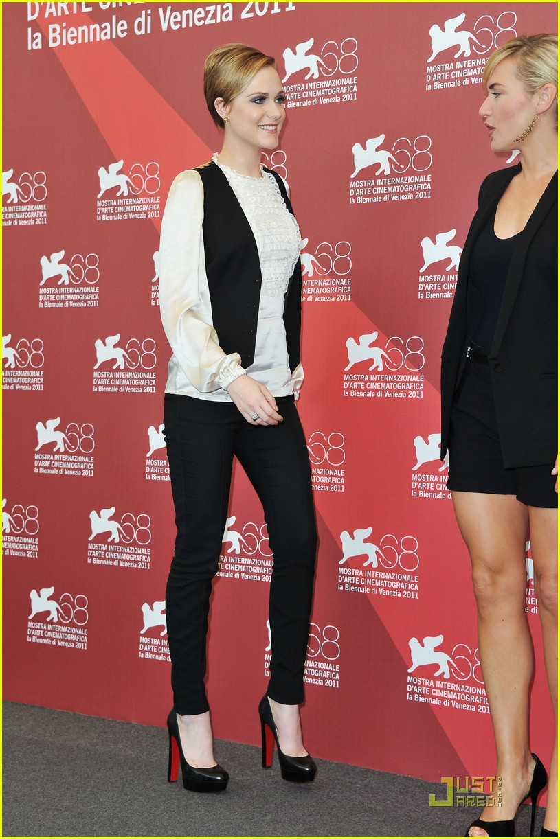 kate winslet evan rachel wood midlred pierce photo call venice 112575828
