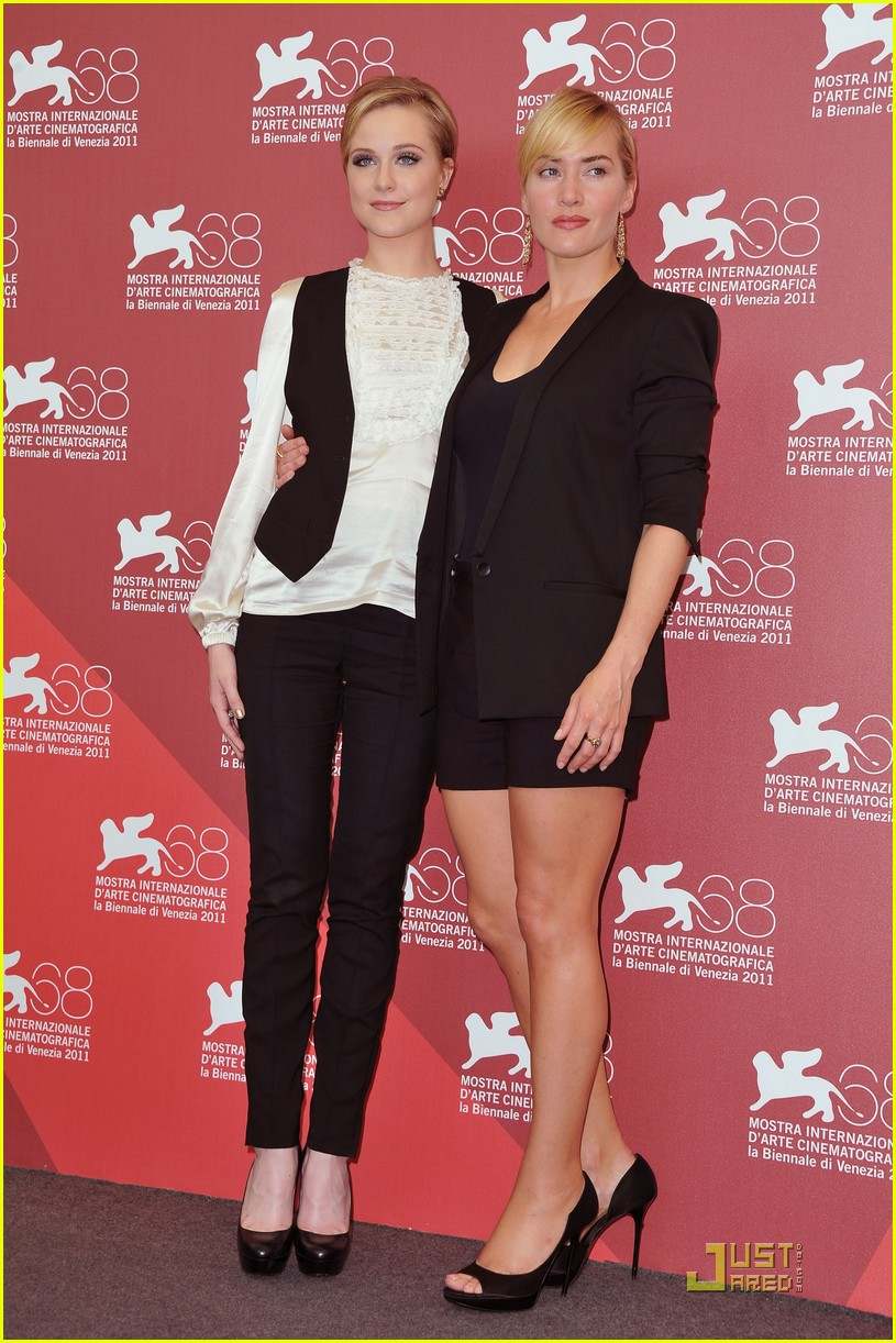kate winslet evan rachel wood midlred pierce photo call venice 12