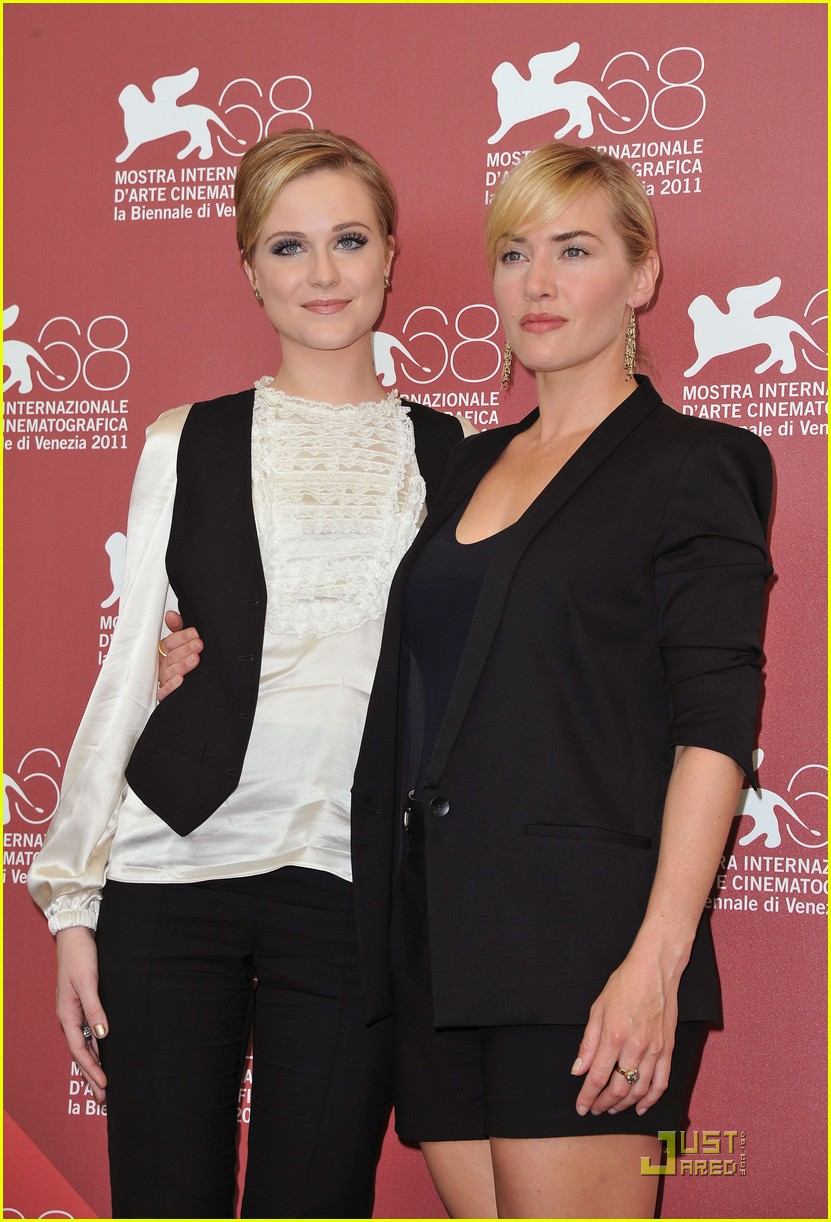 kate winslet evan rachel wood midlred pierce photo call venice 19
