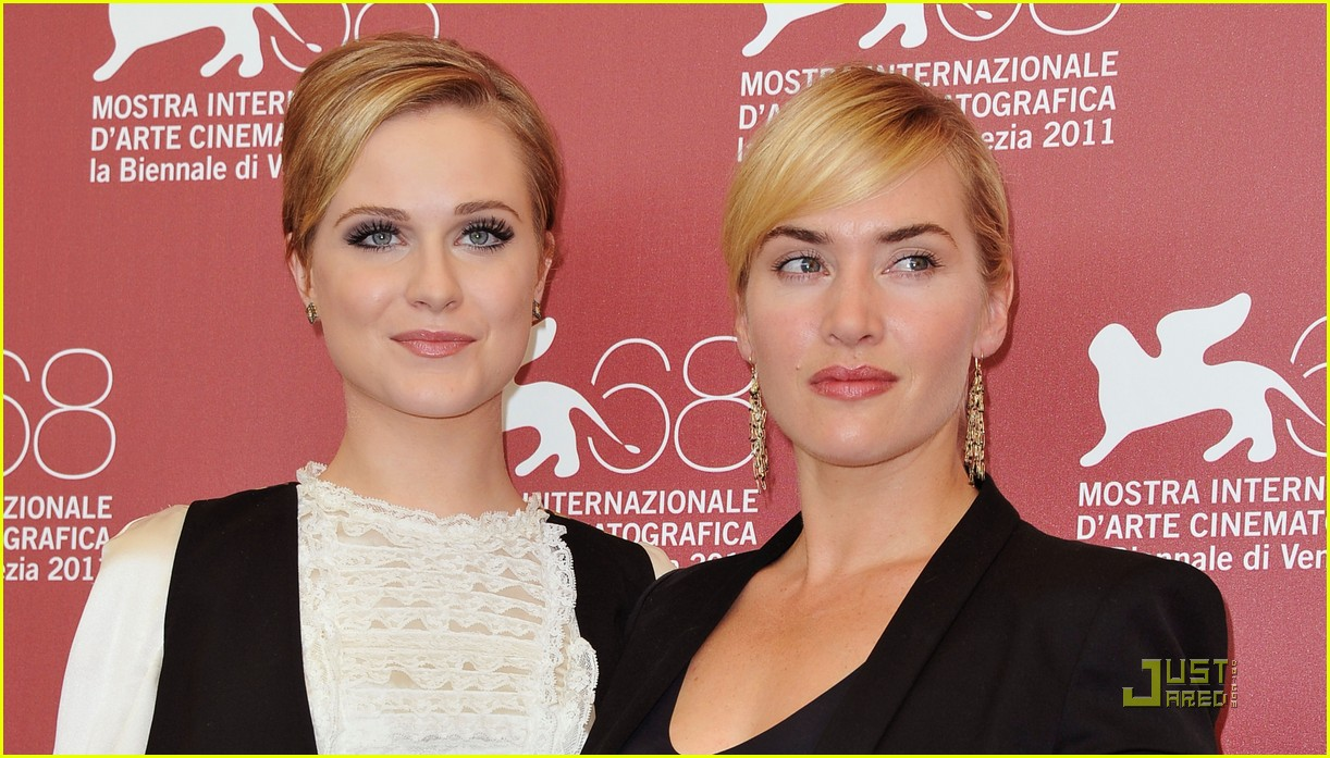 kate winslet evan rachel wood midlred pierce photo call venice 25