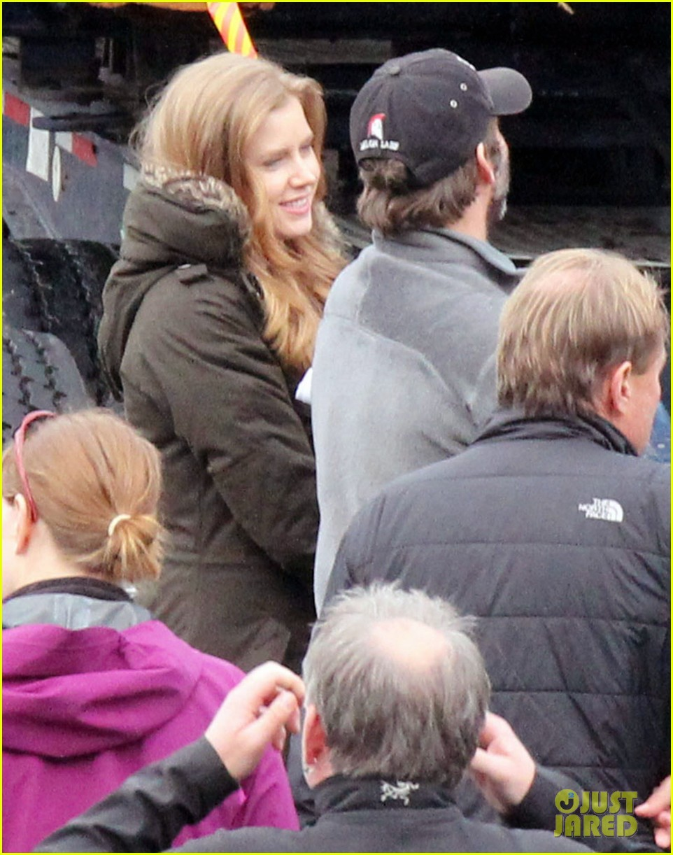 amy adams on set of man of steel 06