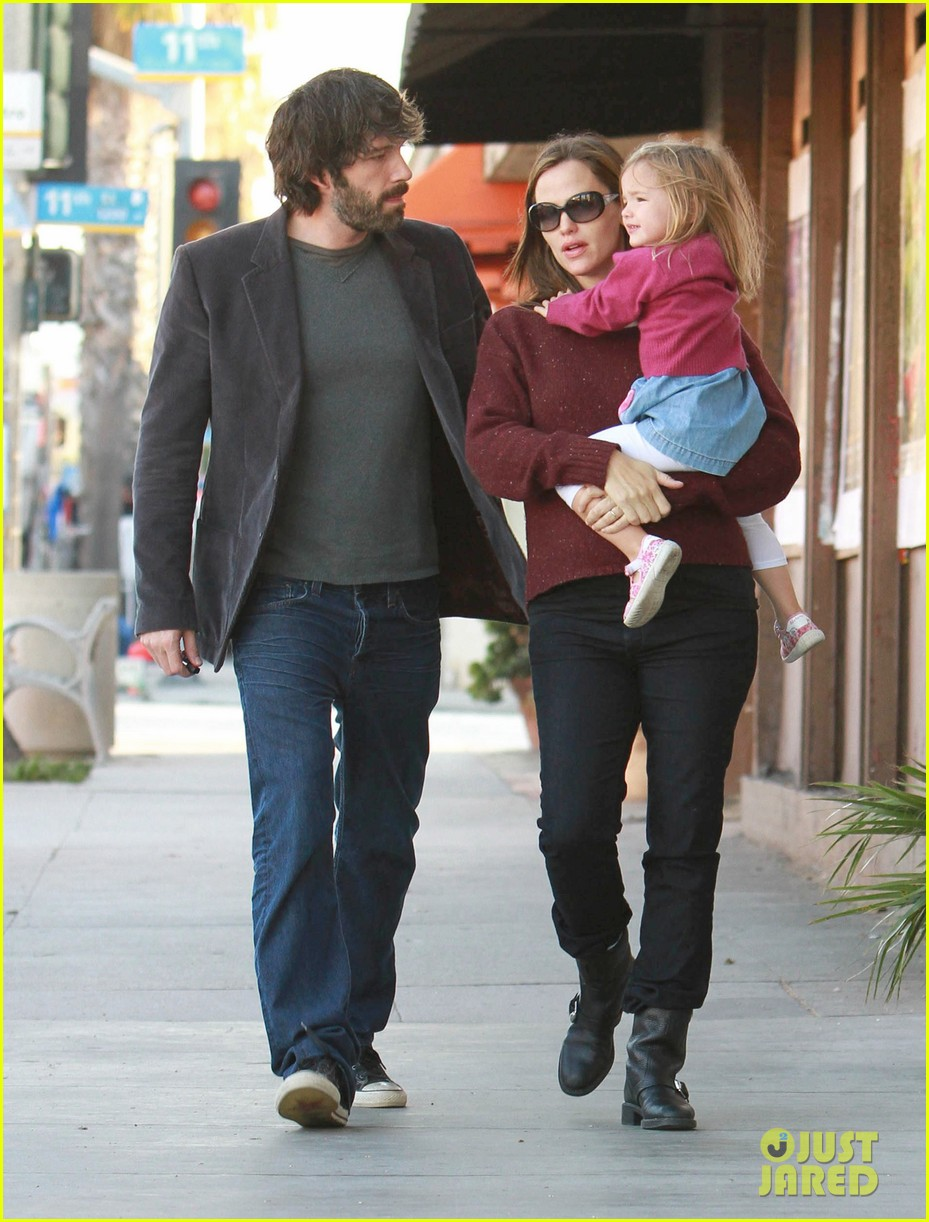 jennifer garner ben affleck huckleberry 042593854
