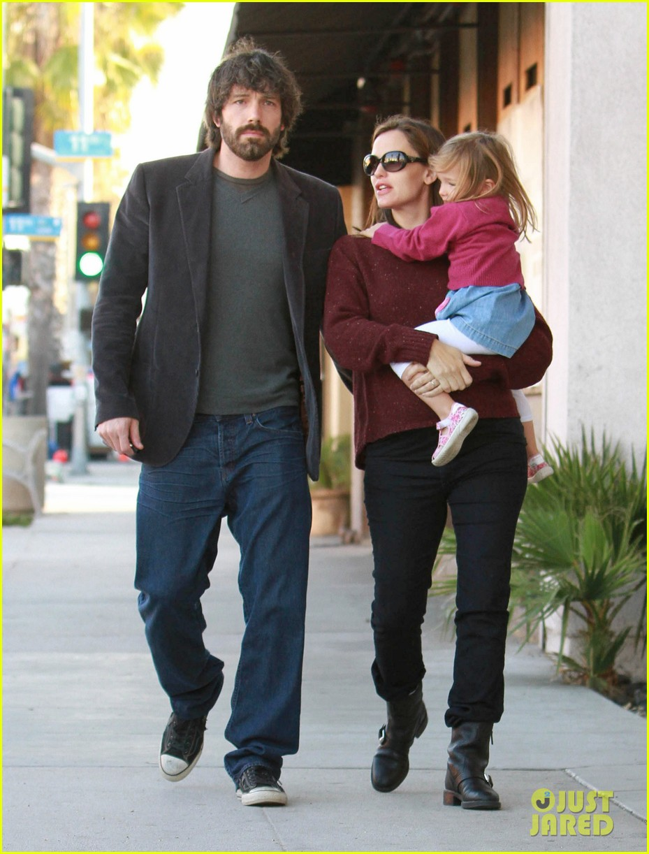 jennifer garner ben affleck huckleberry 082593858