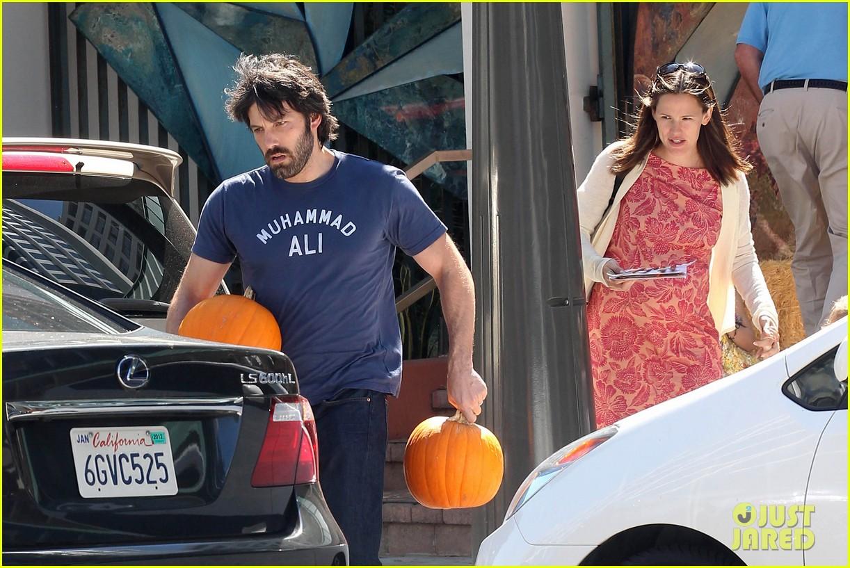 ben affleck jennifer garner pumpkins 202588329