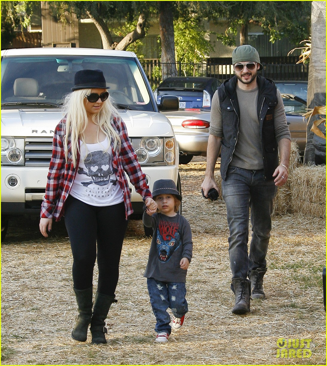 christina aguilera max pumpkin patch 052589995