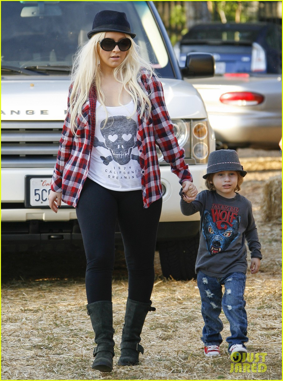 christina aguilera max pumpkin patch 15