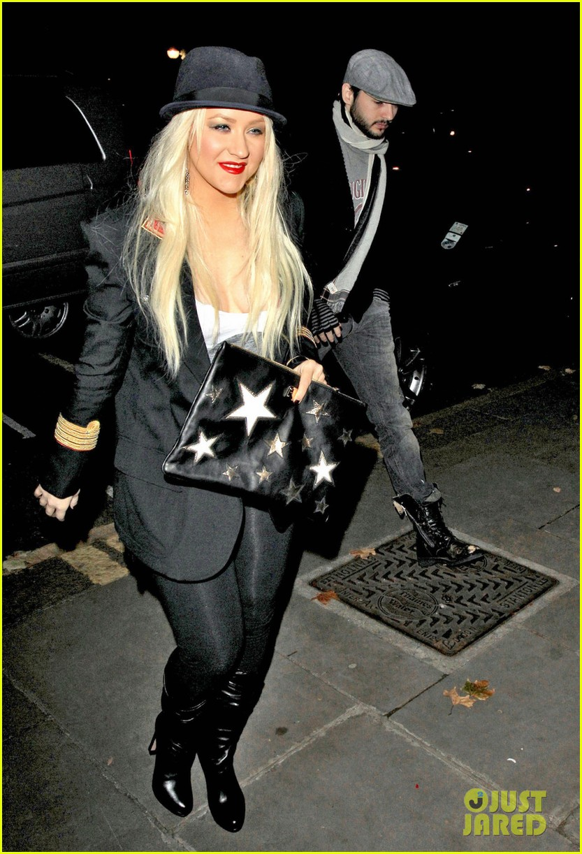 christina aguilera theatre matt 032587504