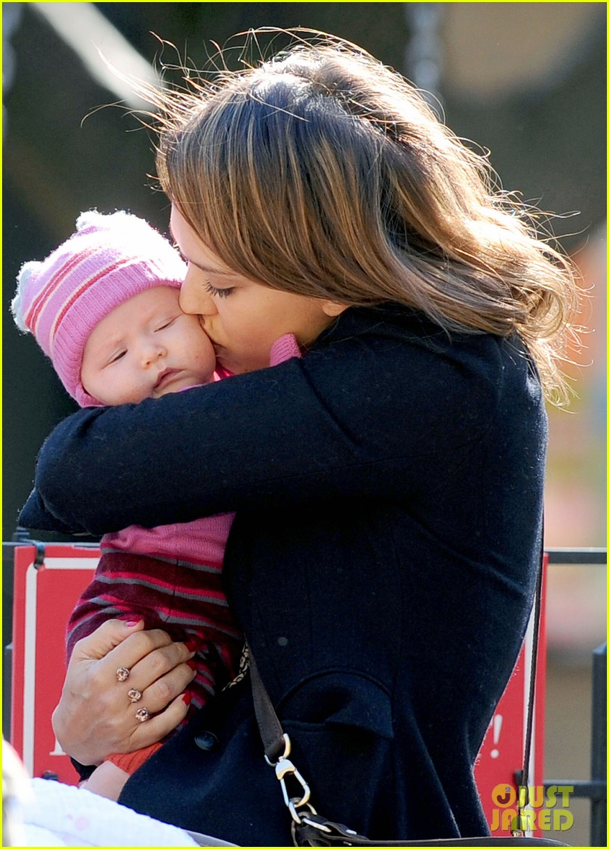 jessica alba kisses haven 08