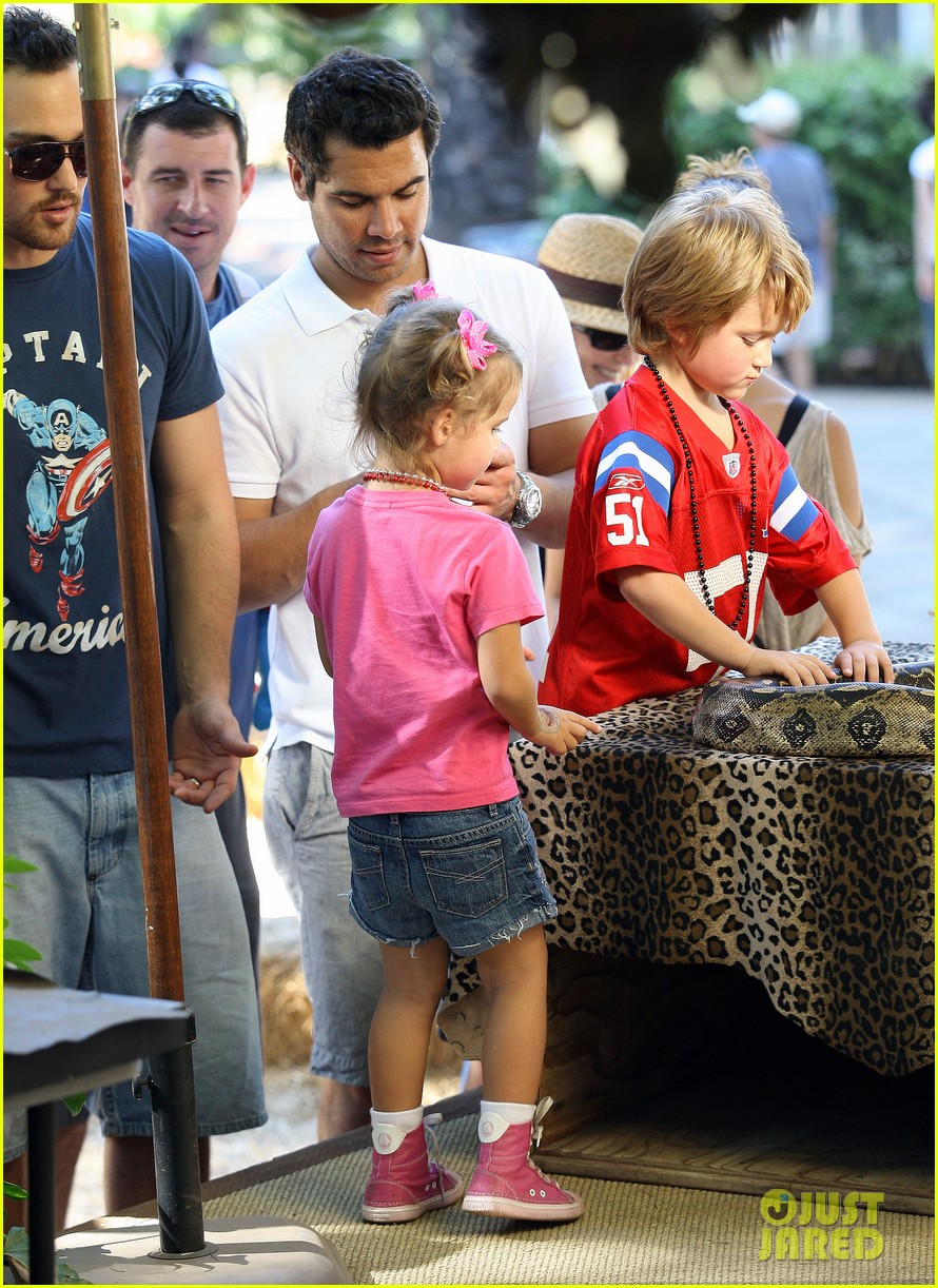 jessica alba family fun day 04
